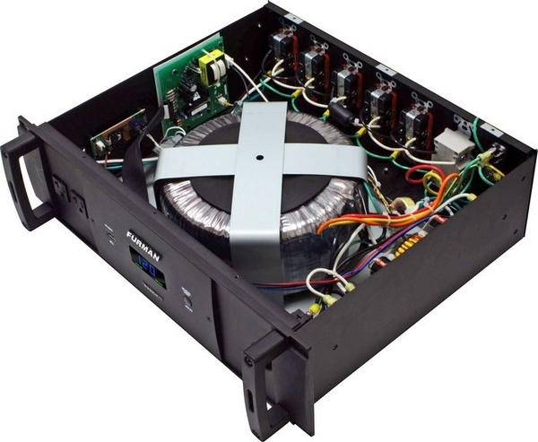 Furman P-2400 IT Symmetrically Balanced Power Conditioner (partial inside view)