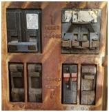 Circuit breaker that triggers