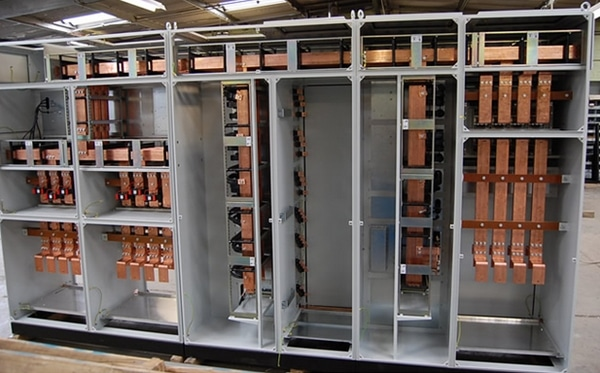Copper busbars in a distribution panel