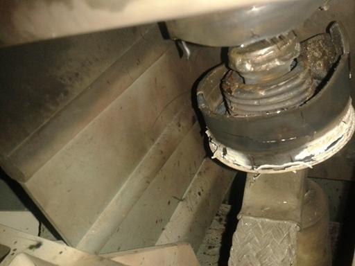 Figure 3: Blown contactor's vacuum bottles